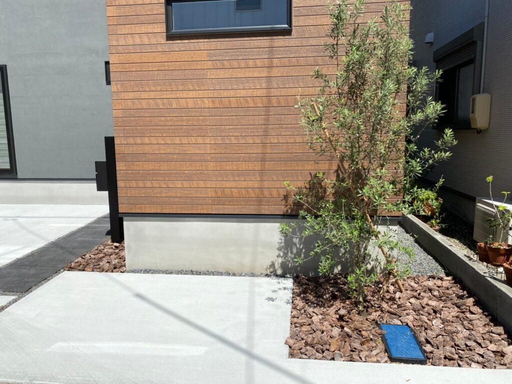 シンプルさがかっこいいお庭